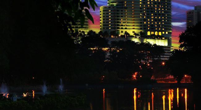 Hilton Kuala Lumpur - 吉隆坡 - 建築