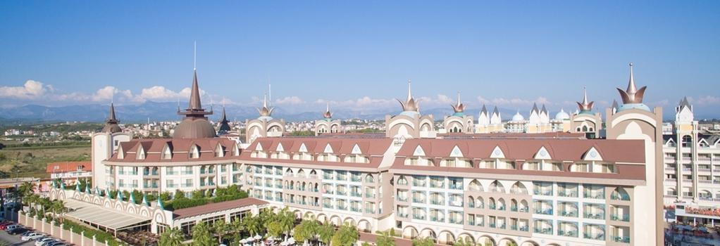 Side Crown Palace - 錫德 - 建築