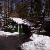 Big Bear Manor Spa Cabins Pull right into your own private carport