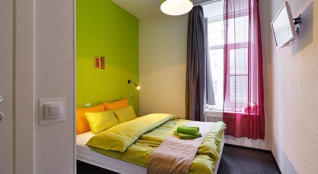 Station Hotel Z12 - 聖彼得堡 - 臥室