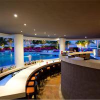 Krystal Grand Punta Cancun Poolside Bar