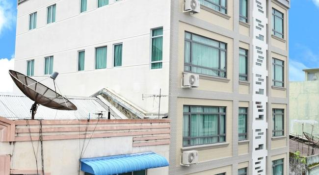 Hotel Grand United 21st Downtown - 仰光 - 建築