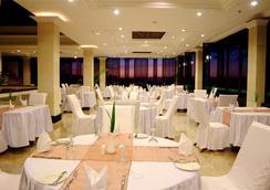 巴厘島貝弗利山酒店 - South Kuta - 餐廳