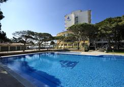 哥倫布酒店 - 薩卡羅 - 游泳池
