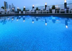 巴拿馬城歐洲之星酒店 - 巴拿馬城 - 游泳池