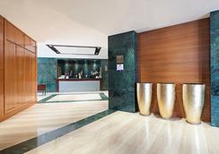 歐洲之星萊昂酒店 - 萊昂 - 大廳