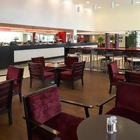 Courtyard by Marriott London Gatwick Airport Bar/Lounge