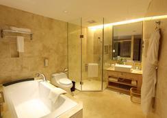 南寧榮榮大酒店 - 南寧 - 浴室