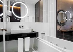 貝薩酒店-力比達德 - 里斯本 - 浴室