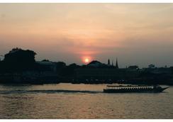 伊布里克河濱度假酒店 - 曼谷 - 室外景