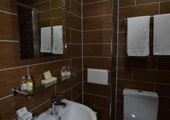 幸運8號酒店 - 依爾福 - 浴室