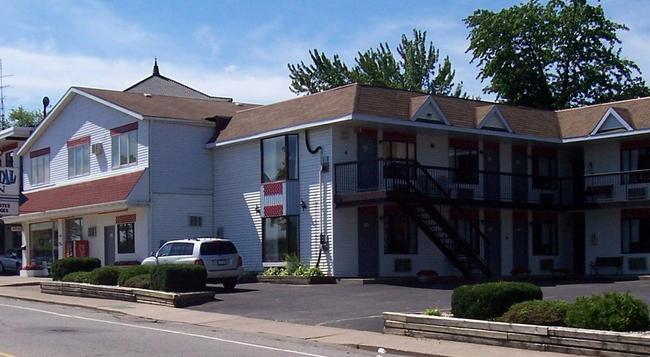 The Crystal Inn On The Parkway - 尼亞加拉瀑布 - 建築