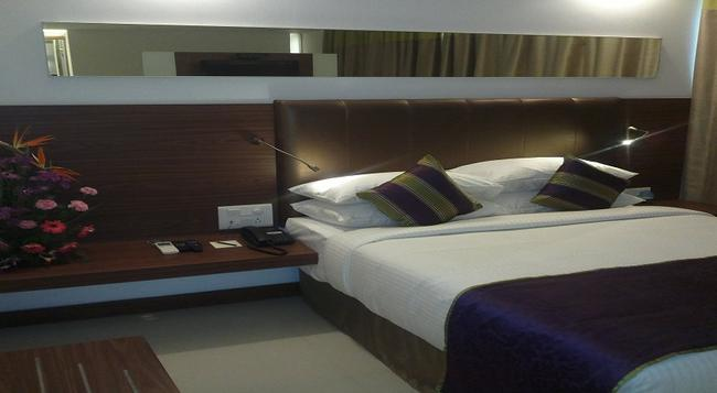 The Urban Hotel - 班加羅爾 - 臥室