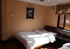 Bhadgaon Guest House - Bhaktapur - 臥室