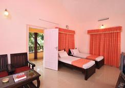 阿魯維度假村 - Munnar - 臥室
