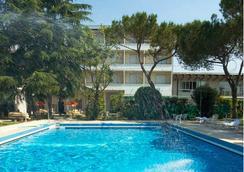 怡東溫泉酒店 - 阿巴諾泰爾梅 - 游泳池