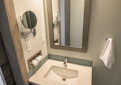 816酒店 - 堪薩斯城 - 浴室