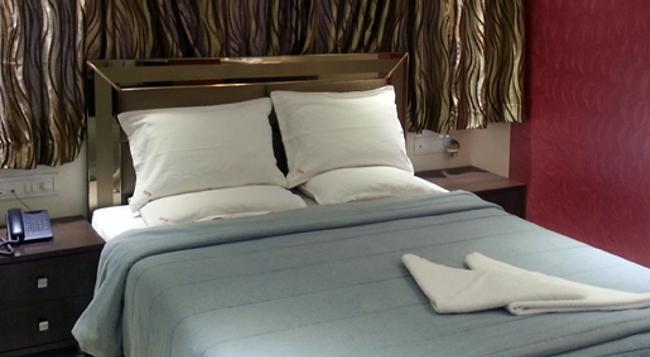 Hotel Kamran Residency - 孟買 - 臥室