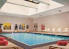 丹佛市中心萬豪酒店 - 丹佛 - 游泳池
