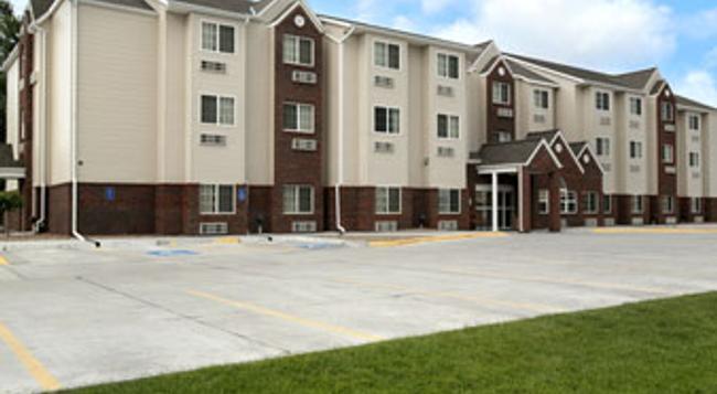 Microtel Inn & Suites by Wyndham Kearney - 科爾尼 - 建築