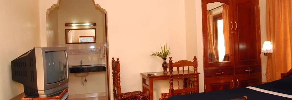 Hotel Sea View Palace - 可瓦蘭 - 臥室