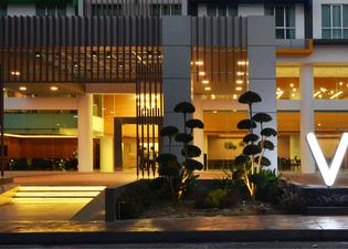 新山V8酒店