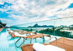 桑托斯杜蒙奇才酒店 - 里約熱內盧 - 游泳池