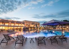 伊瓜蘇維斯高爾夫會議酒店 - 福斯的伊瓜蘇 - 游泳池
