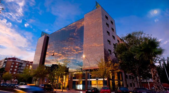 Sallés Hotel Ciutat del Prat - El Prat de Llobregat - 建築