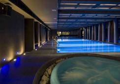 布利斯康體酒店 - 布達佩斯 - 游泳池