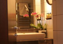 星期五酒店 - 布拉格 - 浴室