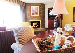 阿伯斯登島酒店及套房 - 鴿子谷 - 臥室