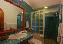 瑪雅海濱度假套房酒店 - Playa del Carmen - 浴室