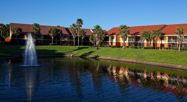 Westgate Vacation Villas Resort - 基西米 - 建築