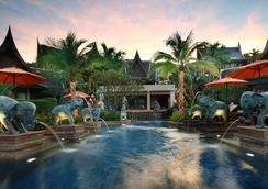 甲米阿瑪里時尚酒店 - 喀比 - 游泳池