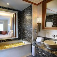 Amari Vogue Krabi Bathroom