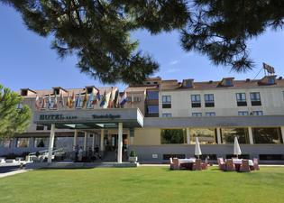塞戈維亞之門酒店