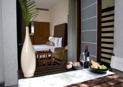 新德里莊園酒店 - 新德里 - 臥室