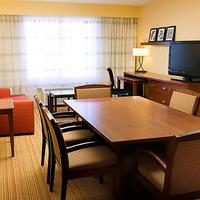 Courtyard by Marriott Denver Airport Guest room