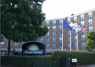 戴斯滑鐵盧酒店
