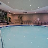 Crowne Plaza Newark Airport Indoor Pool