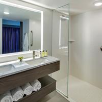InterContinental Saint Paul Riverfront Guestroom