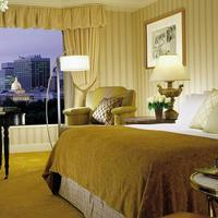 Four Seasons Hotel Boston Guestroom