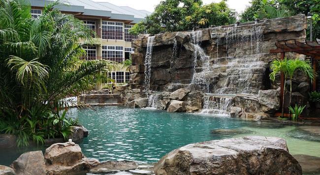 Jacana Amazon Wellness Resort - 帕拉馬里博 - 游泳池
