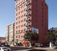 瓦斯燈華美達酒店與會議中心