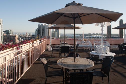 瓦斯燈華美達酒店與會議中心 - 聖地亞哥 - 天井