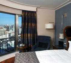 塔克西姆泰坦尼克城市酒店