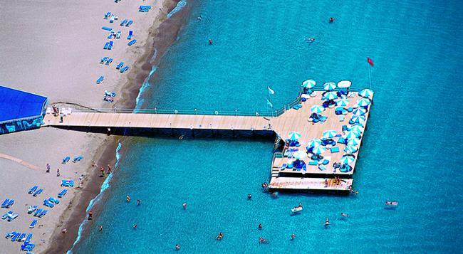 Titanic Beach Lara Hotel - 安塔利亞 - 海灘