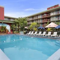 Ramada Hollywood Downtown Pool