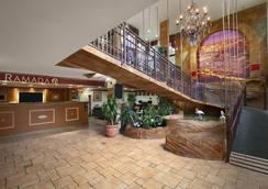 好萊塢市中心華美達酒店 - 好萊塢 - 大廳